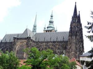 Vista lateral de la Catedral de San Vito