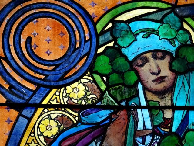 Detalle del vitral La leyenda de San Cirilo y San Metodio, de Alfons Mucha
