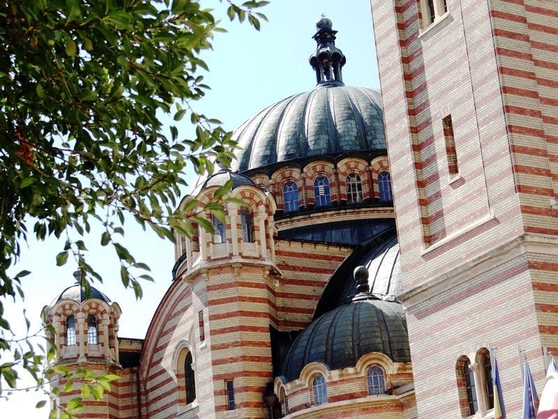 Otra vista exterior de la Catedral Ortodoxa de Sibiu
