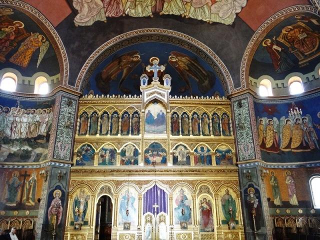 Vista del iconostasio de la Catedral Ortodoxa de Sibiu