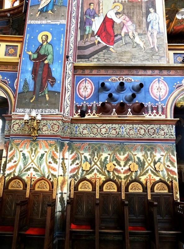 Vista del kliros (sección del coro) de la Catedral Ortodoxa de Sibiu