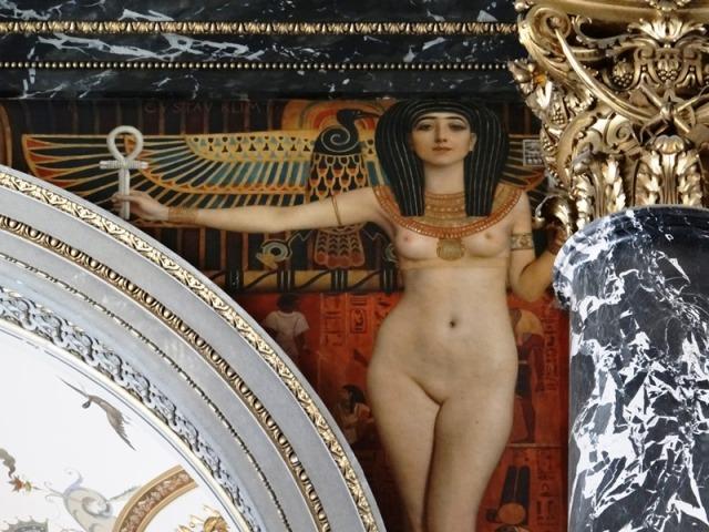 Detalle de uno de los frisos de Gustav Klimt en el Kunsthistorisches Muzeum, dentro del cual estpa el Museo de Bellas Artes.