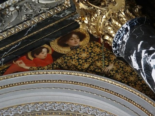 Detalle de otro de los frisos de Gustav Klimt en el Kunsthistorisches Muzeum, dentro del cual estpa el Museo de Bellas Artes.