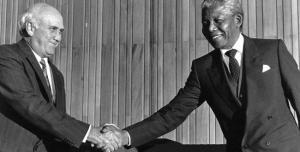 Frederyk de Klerk y Nelson Mandela