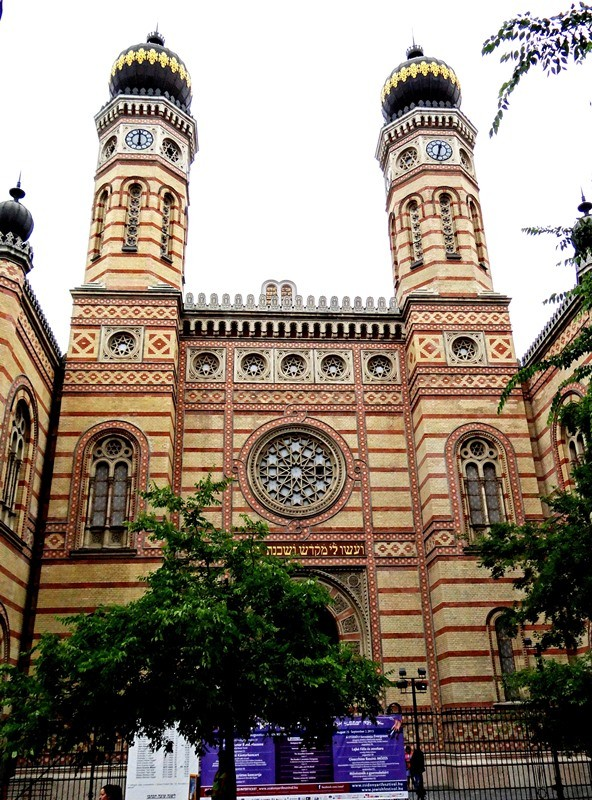 Sinagoga neóloga o neológica de Budapest, la segunda sinagoga más grande del mundo.