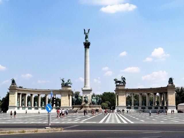 Plaza de Los Héroes de Budapest, declarada Patrimonio de la Humanidad por la UNESCO
