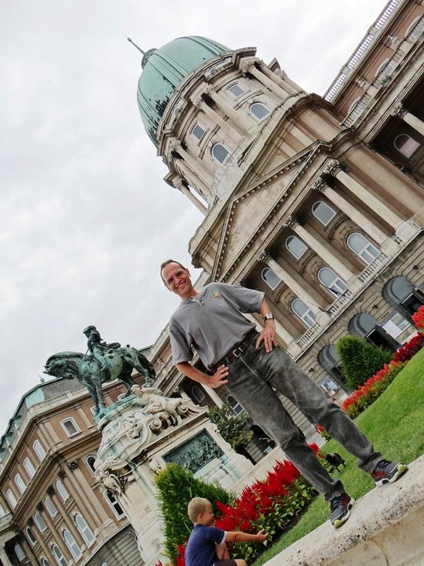 Frente al Castillo de Budapest
