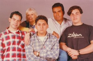 Pueblo de Dios con la participación de Abel Álvarez, Diego Cuevas y Ariel Cuello (1997)