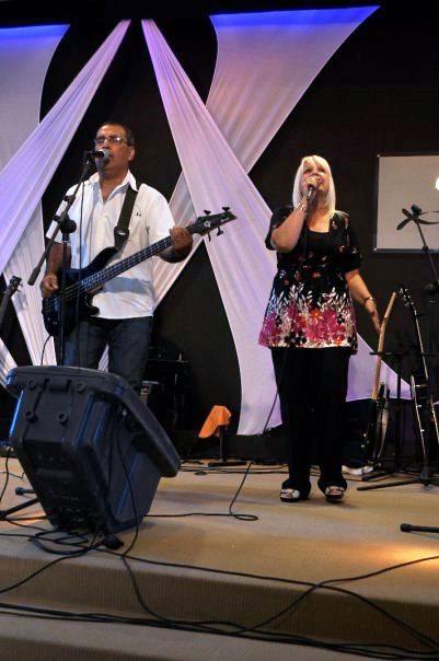 070 Oscar y Nora Allende  cantando juntos (08/01/2010)