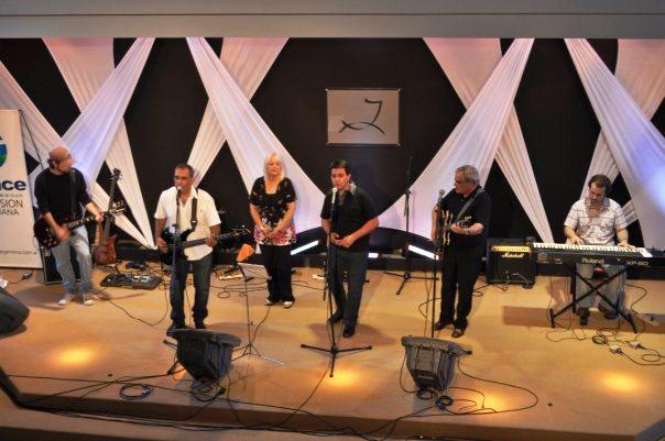 Pueblo de Dios y Enrique Gómez en concierto (08-01-2010)