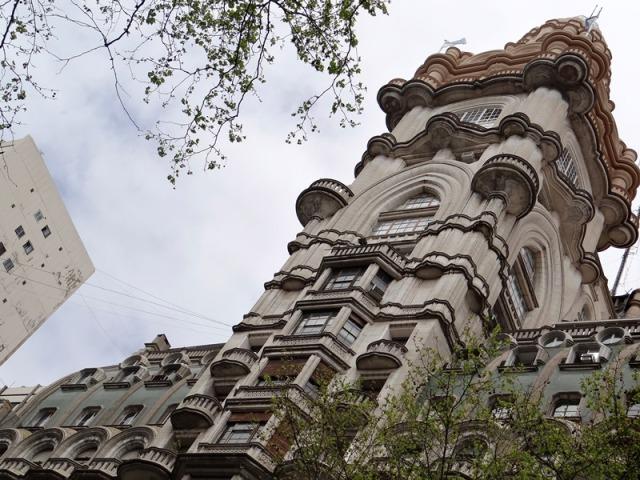 Cúpula del Barolo en 2013; a diferencia del color ocre que se advierte en la parte más alta, en mi visita a Buenos Aires de 2014, estaba toda pintada de blanco.