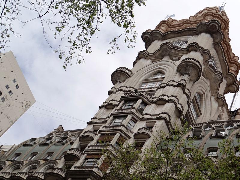 EL PALACIO BAROLO: ¿UN MAUSOLEO PARA DANTE ALIGHIERI? (por Pablo R.Bedrossian)