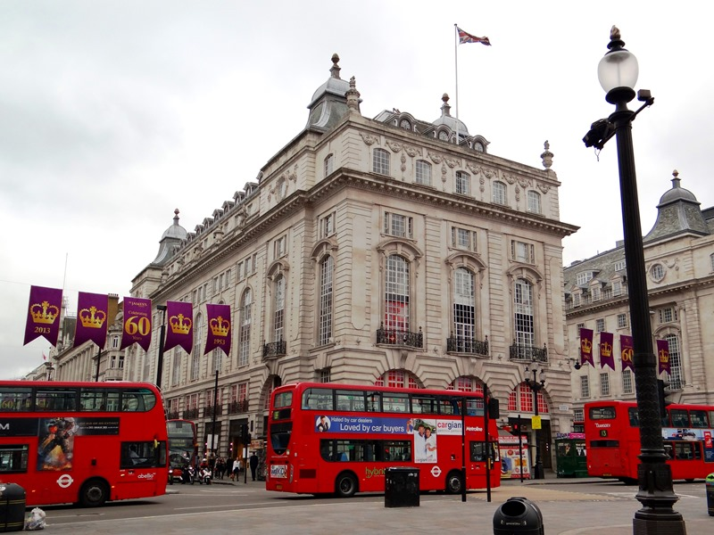 Picadilly Circus 01 DSC02195