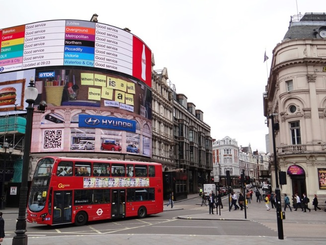 Picadilly Circus 02 DSC02205