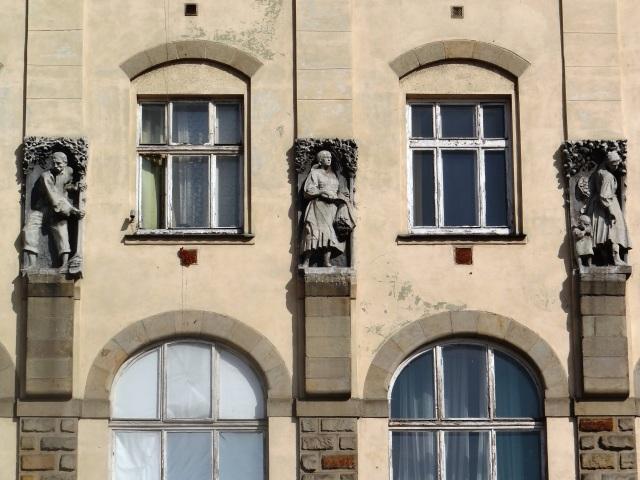 Alrededores Palacio de las Artes de Cracovia 08