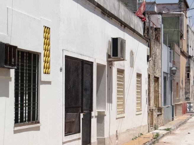 Pasaje Trieste, vista parcial de la primer cuadra, lado sur, desde la calle Tupac Amaru hacia la calle Juan A. Boeri