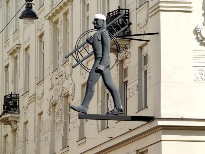 El Deshollinador u Hombre con escalera (Viena) DSC07506