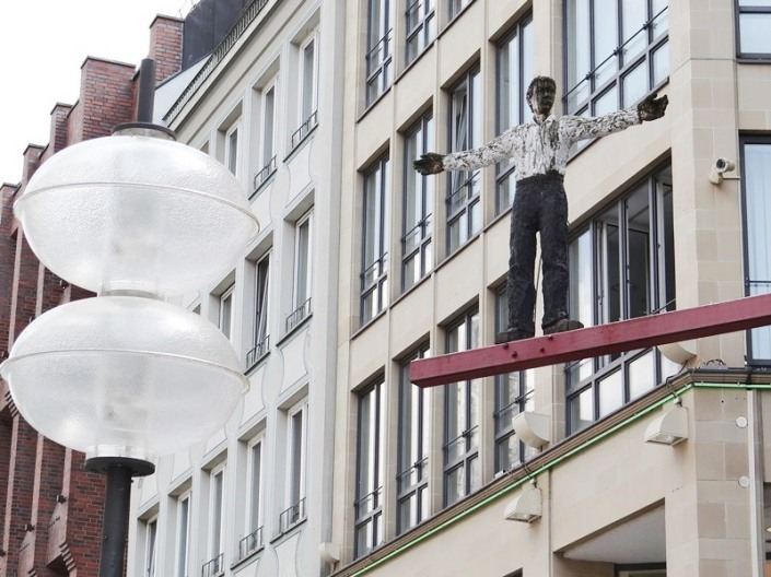Hombre con los brazos abiertos (Munich) DSC04189