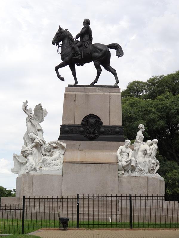 Monumento a Mitre 01 DSC08644