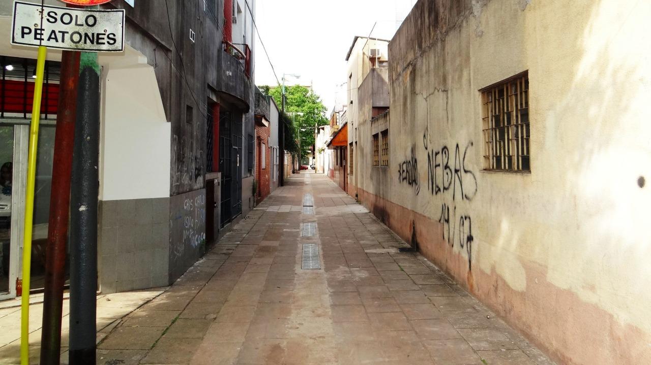 EL PASAJE ALBANIA (por Pablo R.Bedrossian)