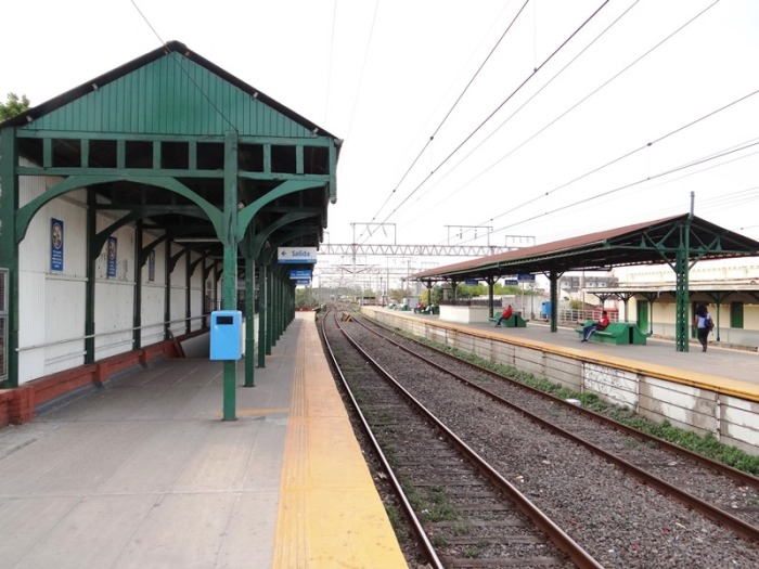 Estación Hipólito Yrigoyen 01.JPG