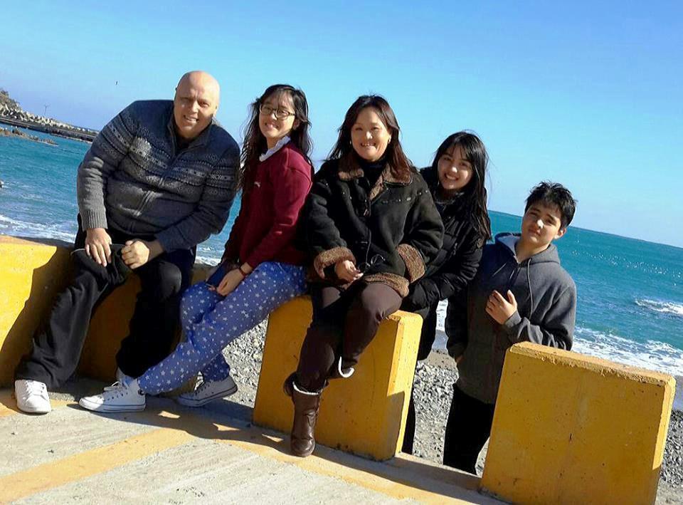 Ernesto Casaccia y su familia.jpg
