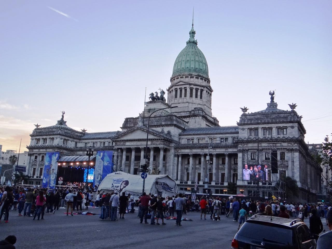 ¿POR QUÉ EL GOBIERNO ARGENTINO APOYÓ LA DESPENALIZACIÓN DEL ABORTO? (por Pablo R.Bedrossian)