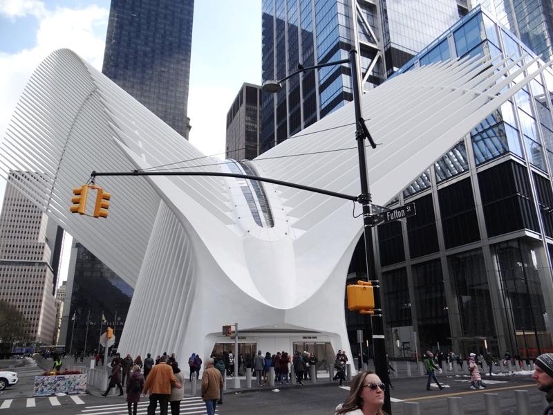 EL OCULUS DE NUEVA YORK Y OTRAS OBRAS DE SANTIAGO CALATRAVA (por Pablo R.Bedrossian)
